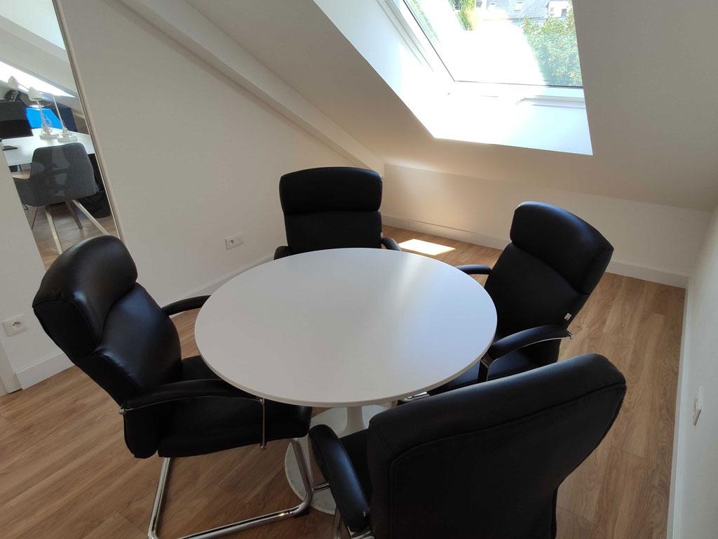 La petite salle de réunion